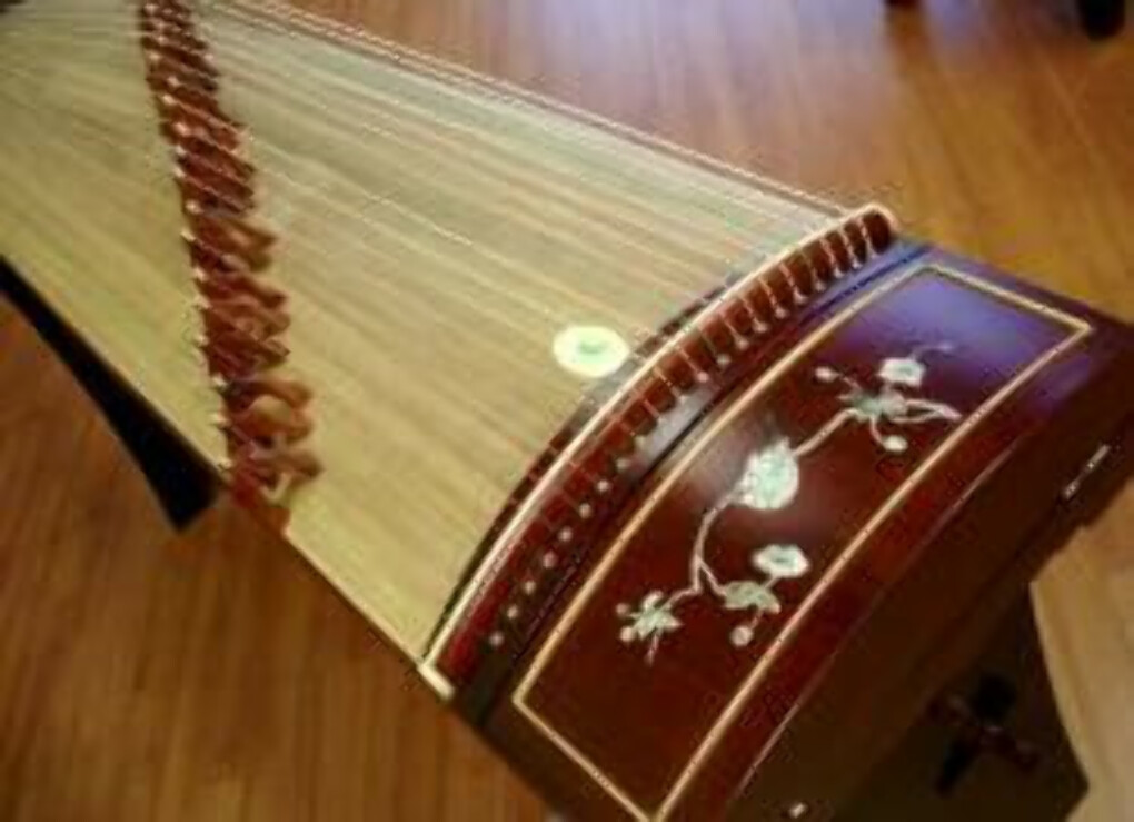 "Tianyi Rosewood Guzheng with Mother-of-Pearl Inlay ""Morning Dew"""