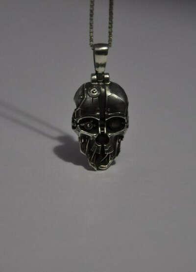 Медальон из Dishonored