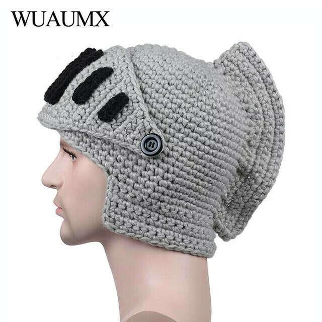 Шапка в виде шлема