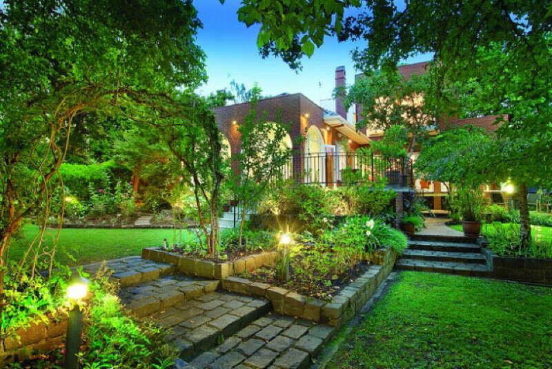 Свой дом и сад