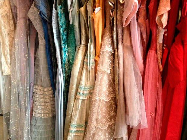 Много новых красивых платьев