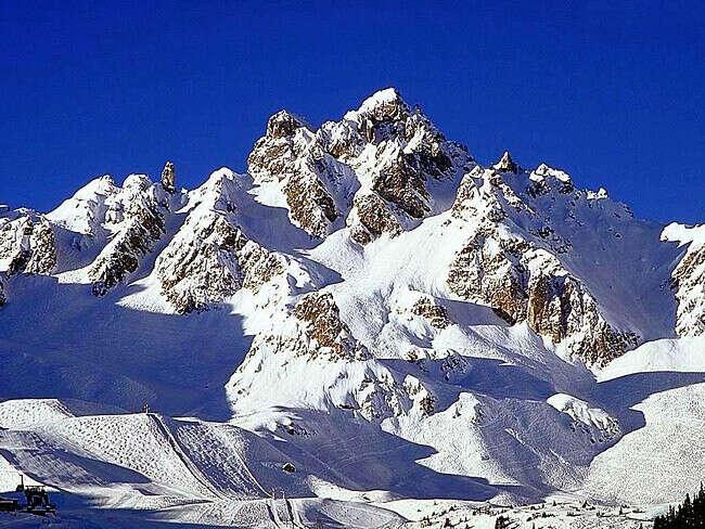 хочу покататся с друзьями на лыжах ! :)
