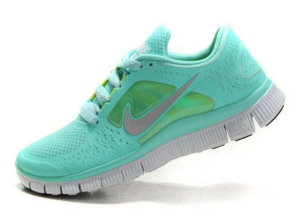 Nike Free (Aqua or Yellow)