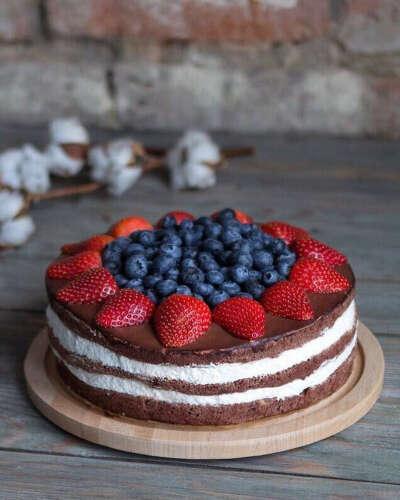 Шоколадный торт без сахара и лактозы