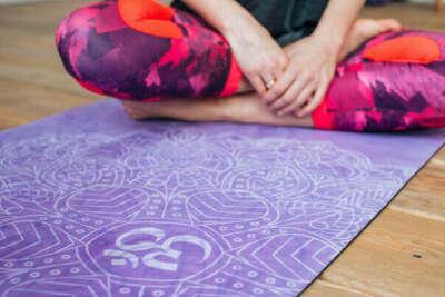 новый коврик для йоги