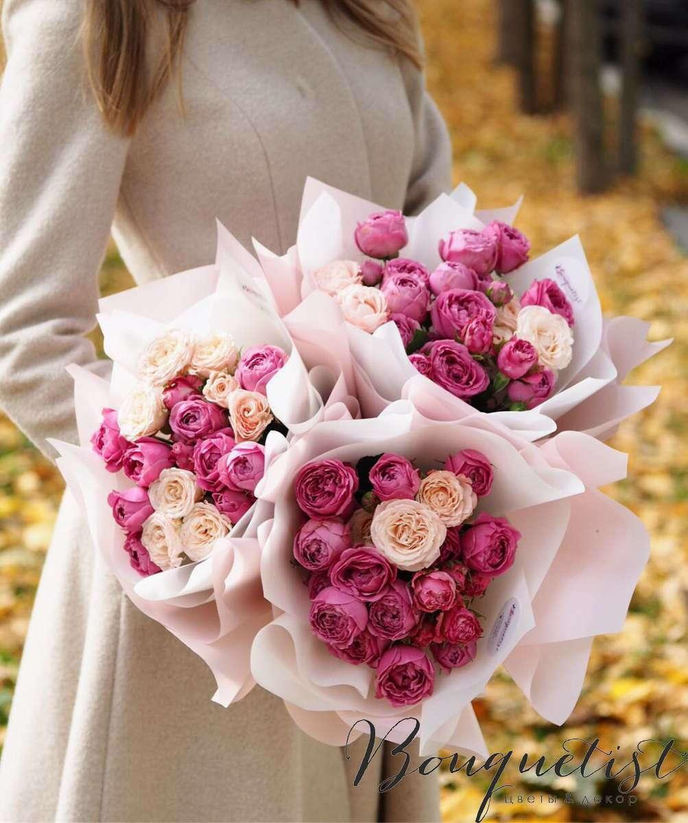 Букет пионовидных роз или тюльпанов