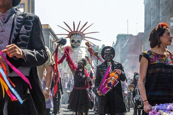 Побывать на карнавале Santa Muerte в Мексике