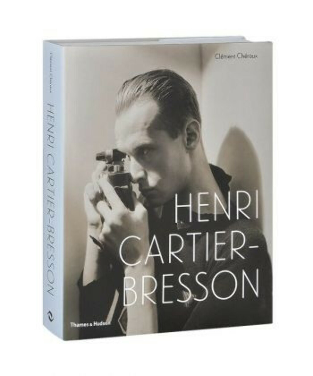 КнигаHenri Cartier-Bresson: Here and Now