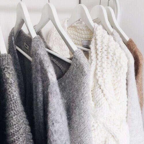 Много свитеров