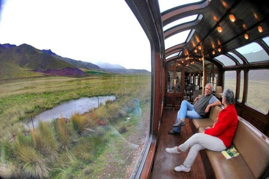 Прокатиться в Перу на таком поезде