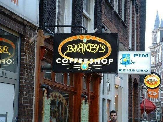 Посетить кофешоп в Амстердаме