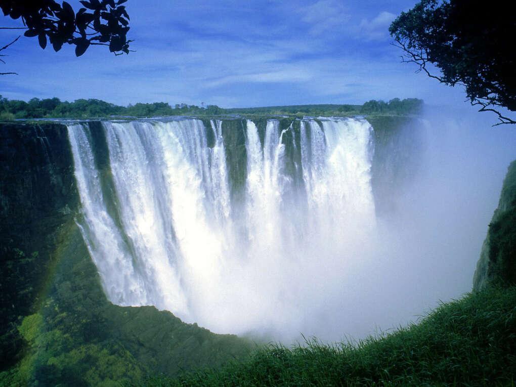 Увидеть водопад.
