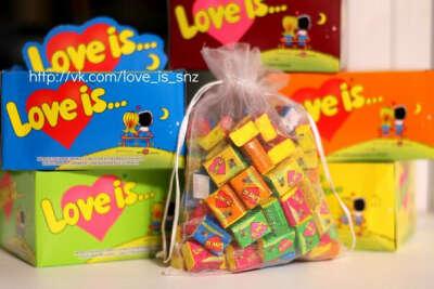 Коробочку Love is...