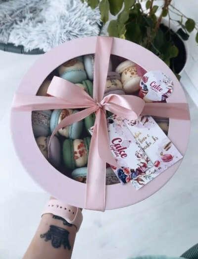 Коробку макарунов от cakecupcake_ks