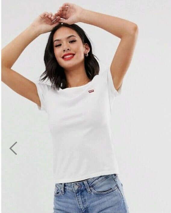 Набор из 2 футболок черного и белого цвета Levi's