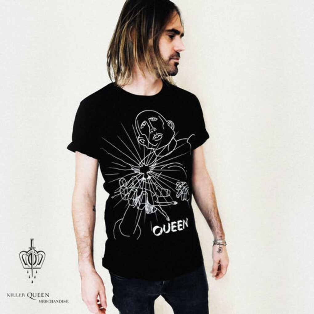 Manuela Gray Exclusive News Of The World Design Black T-Shirt