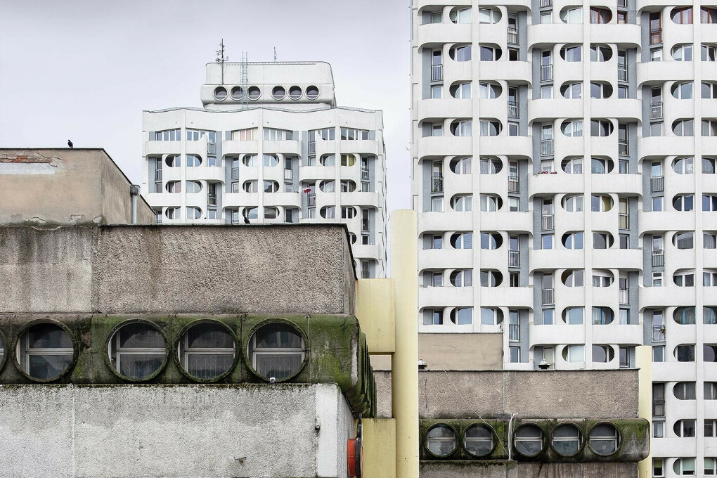 Brutal Poland : Build Your Brutalist Polish People's Republic - by Zupagrafika