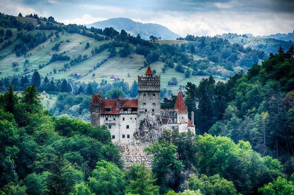 8. Напроситься в гости к графу Дракуле в Румынии