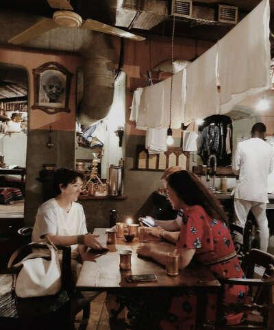 В индийский ресторан Москва-Дели