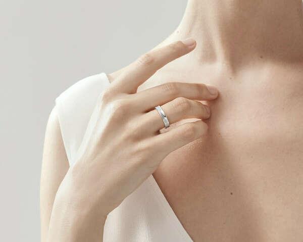 https://www.tiffany.ru/jewelry/rings/tiffany-1837-ring-GRP01703/