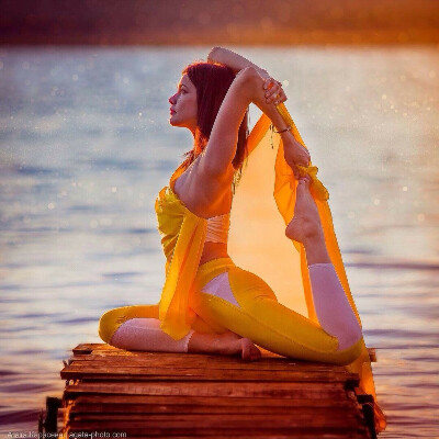 Окончить курсы йога-тичеров