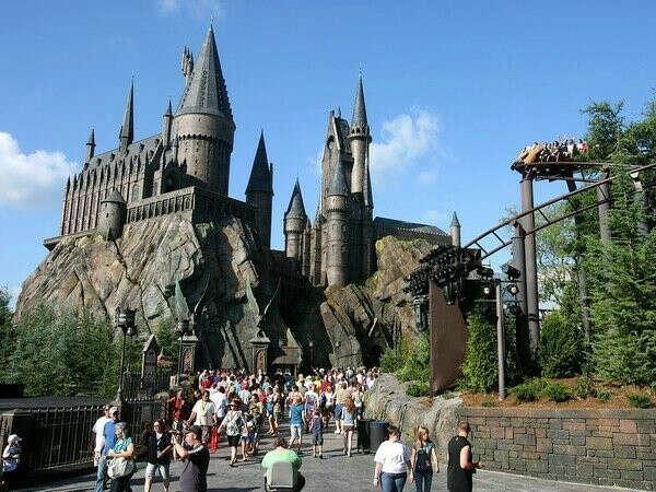 Посетить парк развлечений «Волшебный мир Гарри Поттера» в Орландо