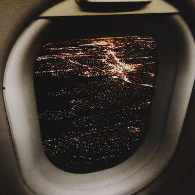 Летать на самолёте ночью/вечером