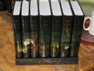 Серия романов о Гарри Поттере на английском