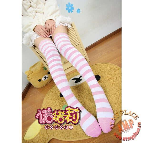 Бело-розовые полосатые гольфы