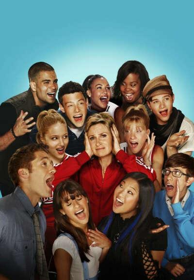 Досмотреть Glee