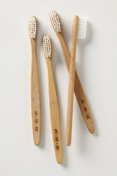 toothbrush (wood!)