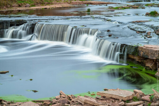 увидеть Тосненский водопад (Ленинградская область)