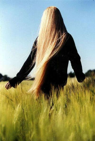 длинные,ухоженные волосы :-)
