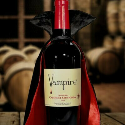 VAMPIRE® CABERNET SAUVIGNON with Vampire® Wine Cape
