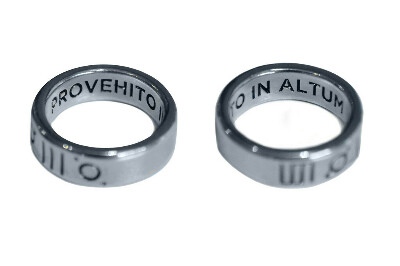 Серебряное кольцо от 30 seconds to Mars