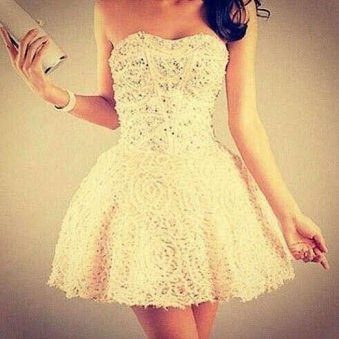 Повод одеть платье