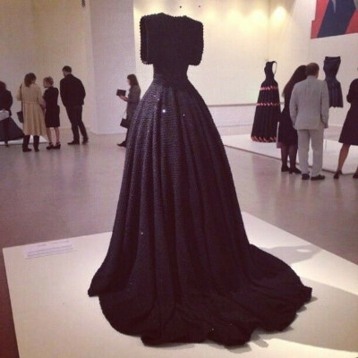 Роскошное черное платье