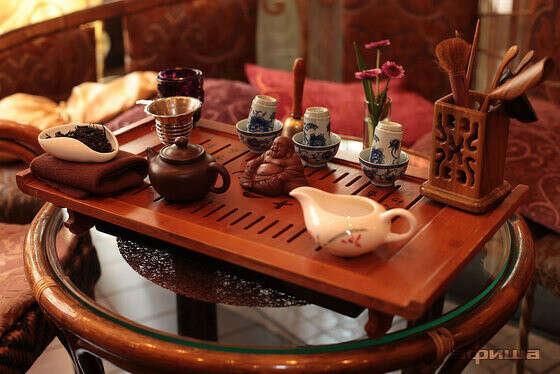 Побывать в чайном клубе