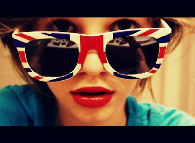 Очки с британским флагом