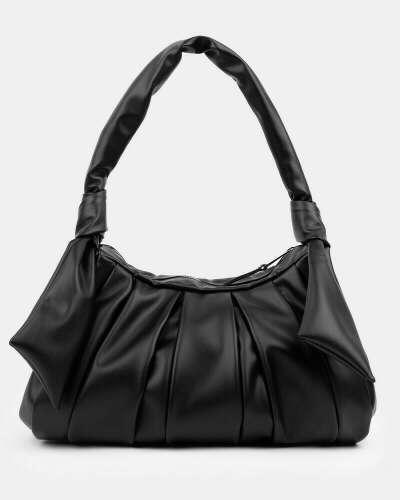 большая и крутая черная сумочка
