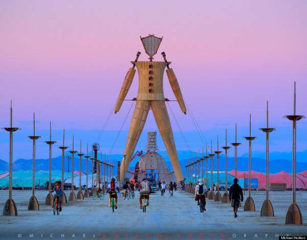 Побывать на арт-фестивале Burning Man, происходящие в пустыне Блэк-Рок, США