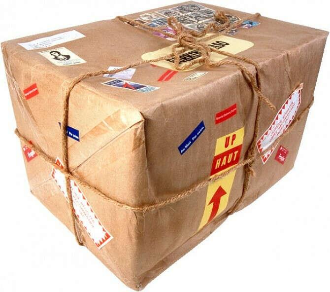 Получить посылку от друзей из другой страны
