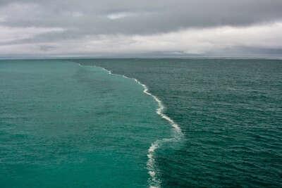 увидеть границу морей