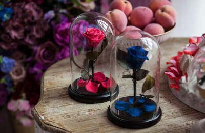 """Долговечная роза в колбе """"Красавица и Чудовище"""""""