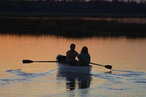 Покататься на лодке с любимым