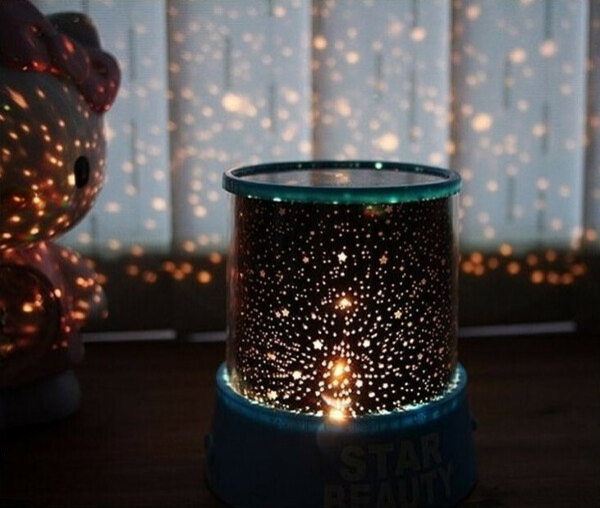 Лампу проектор звездного неба.