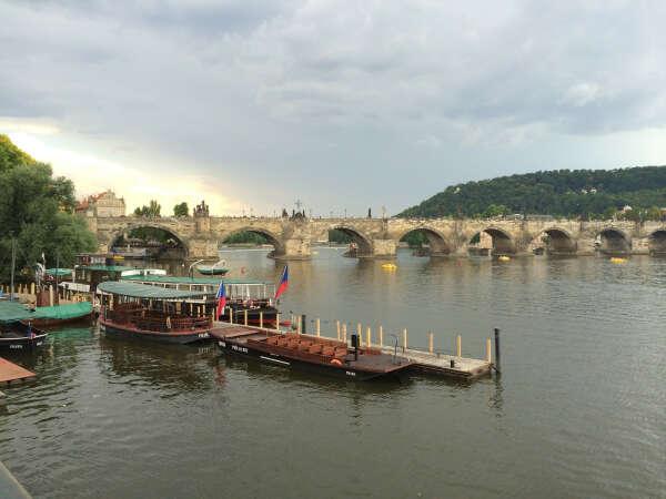 Полететь в Прагу