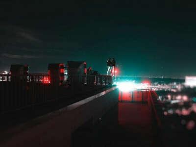 Встретить закат на крыше высотного дома!