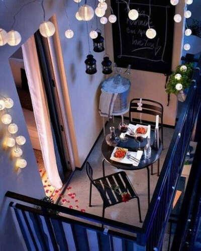 вечера на красивом атмосферном балконе