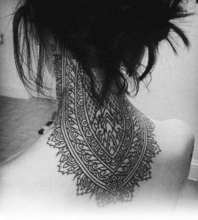 Хочу татуировку на шее.